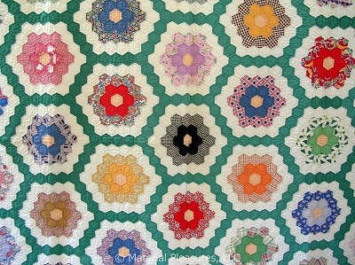Vintage Quilt 1940s  Grandmother's Flower Garden with Green Path - Hexagons