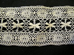 Vintage Bobbin Insertion Lace with Wheatears