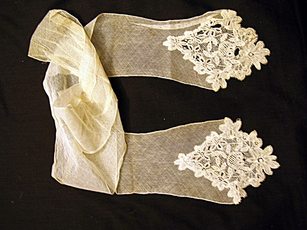 Antique Tape Lace Lappet