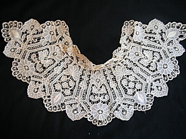 Antique Circa 1850 Cutwork Collar with Leaves and Flowers