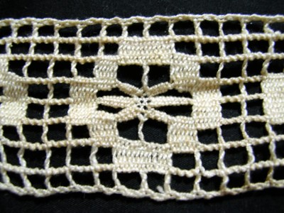 Vintage Filet Crochet Insertion Lace with Wheatears