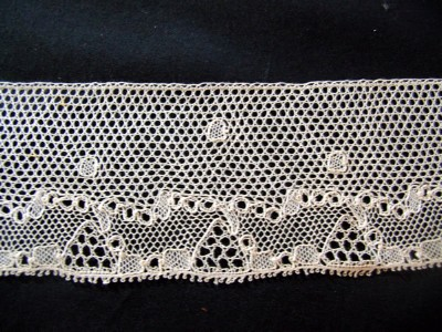 Antique Flanders Lace Trim with Abstract Design