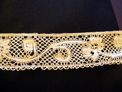 Antique Milanese Lace Trim with Flowers and Leaves