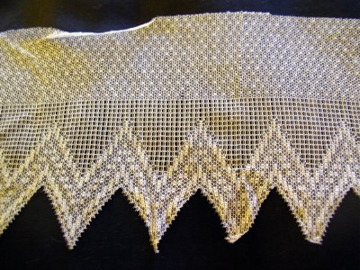 Antique Net Lace Trim with Zig Zag Edge