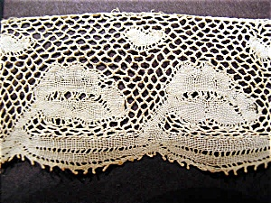 Vintage Handmade Valenciennes Lace with Leaves