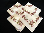 Set of 4 Printed Napkins with Pink Flowers