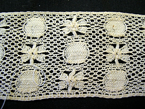 Vintage Bobbin Insertion Lace with Flowers and Circles