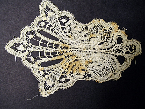 Antique Hand Made Bobbin Lace Applique